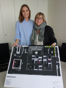 V.L.: Kaja Poestges (Junior Creative Director) und Katharina Drasdos (Chief Creative Director .  Partner) von Drasdos - Form Follows Us